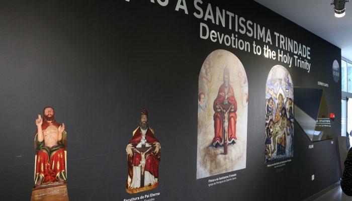 No museu faz-se referência à Santíssima Trindade