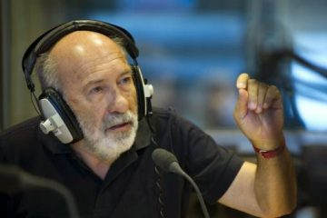 """Adelino Gomes: """"O jornalismo sério é aquele que contraria o que tomávamos como a verdade"""""""