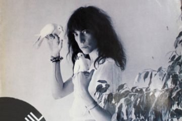 Vinil: Patti Smith – Dancing barefoot
