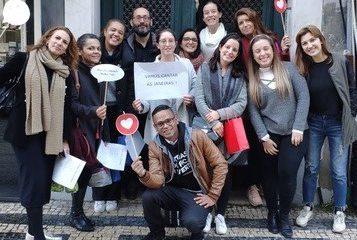 Alunos de Psicologia cantam as Janeiras em ação solidária