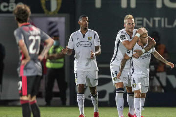 Raio-X ao Futebol: Benfica volta a escorregar e deixa o título à mercê do Porto
